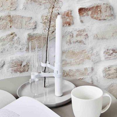 GRAB LYSESTAGE - mat hvid m. 3 stager og 2 vaser